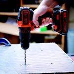 BLACK+DECKER BDCHD18-QW Perceuse à percussion sans fil - 18V - 1,5 Ah - Lithium - 17,5 à 40 Nm - 0-360 et 0-1400 trs/min - 2 vitesses - 1 batterie - Chargeur inclus de la marque Black & Decker image 2 produit